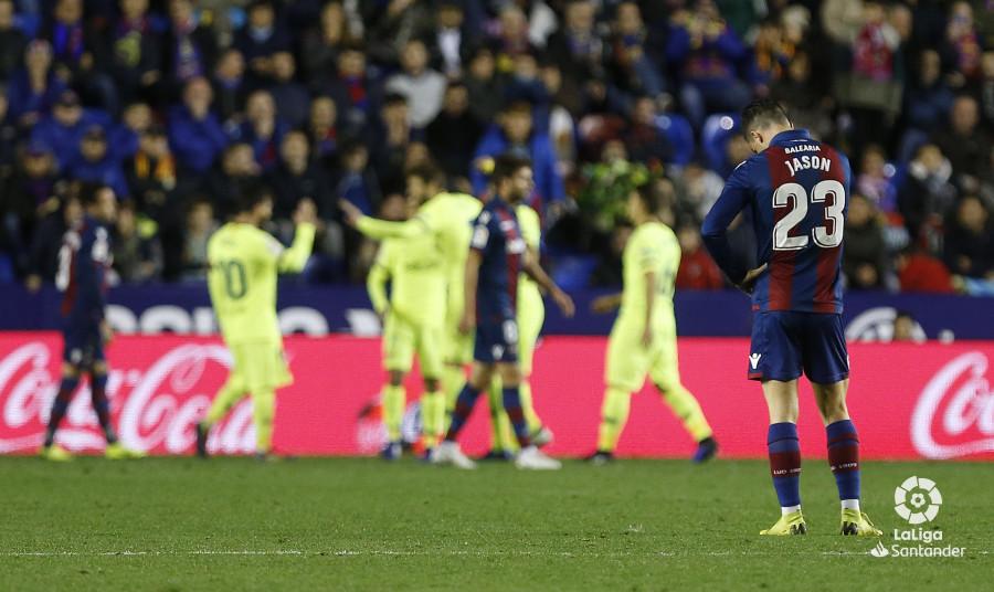 صور مباراة : ليفانتي - برشلونة 0-5 ( 16-12-2018 )  W_900x700_16223923_ap_3798