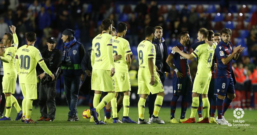 صور مباراة : ليفانتي - برشلونة 0-5 ( 16-12-2018 )  W_900x700_16223932_ap_3844