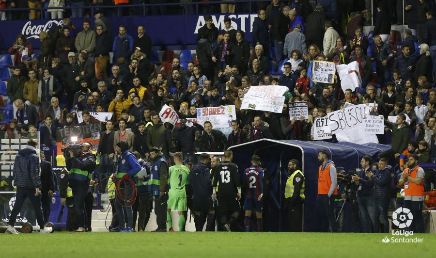 صور مباراة : ليفانتي - برشلونة 0-5 ( 16-12-2018 )  W_900x700_16223934_ap_3853