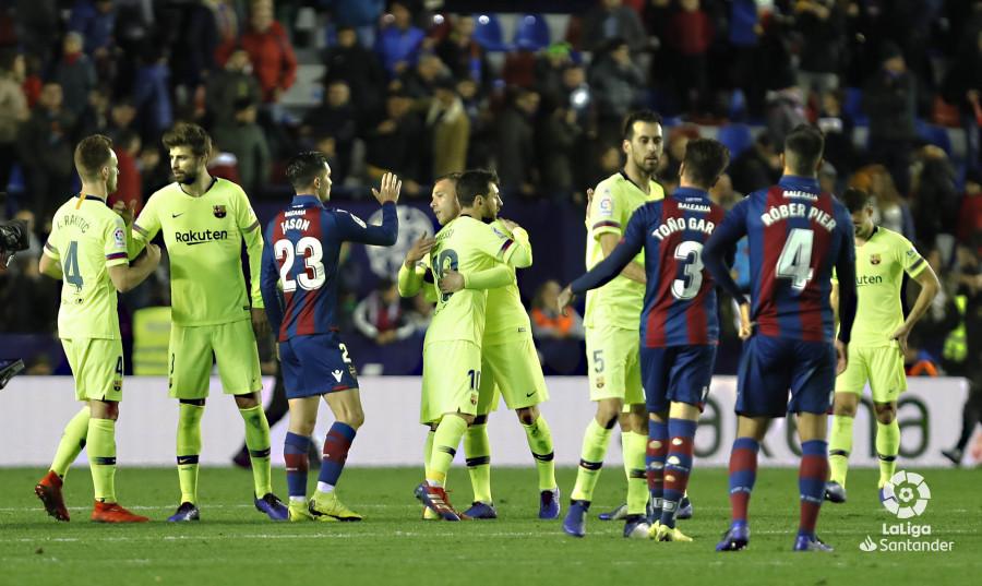 صور مباراة : ليفانتي - برشلونة 0-5 ( 16-12-2018 )  W_900x700_16224411levante-bar-a68