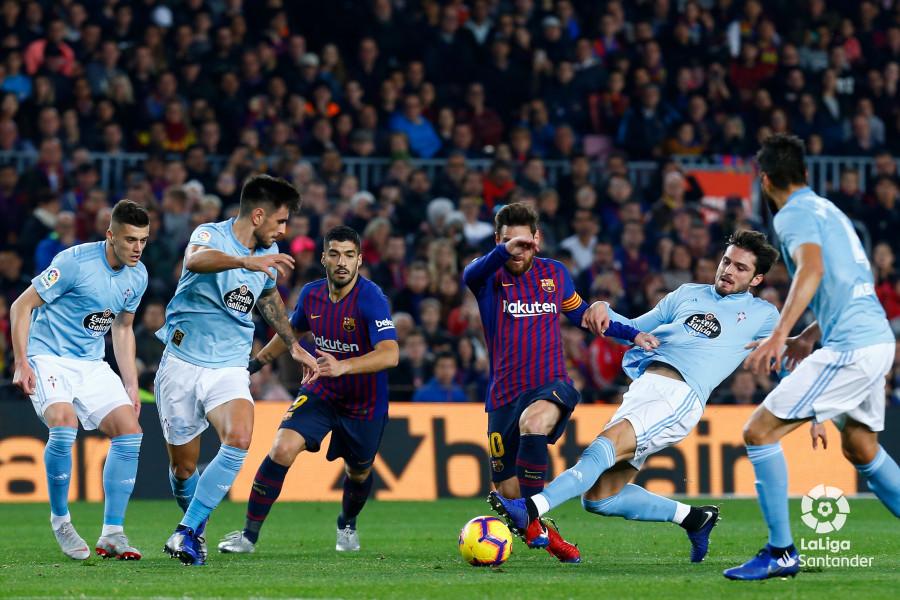 Messi despide el 2018 con goles y magia