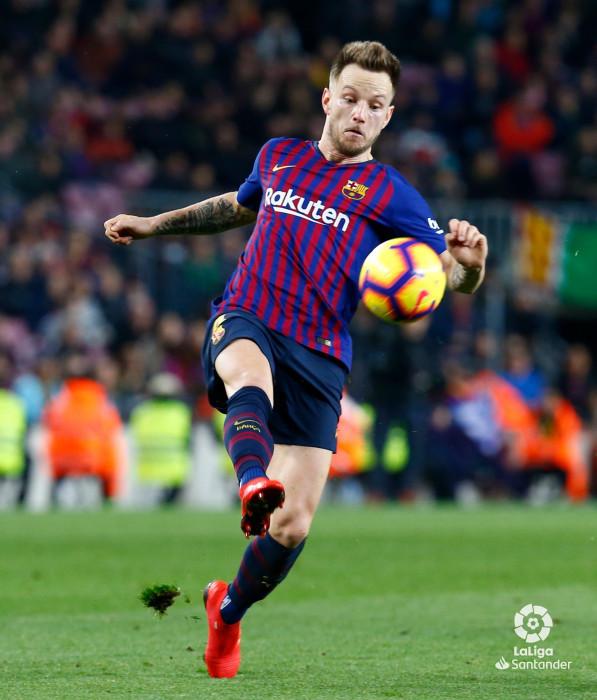 صور مباراة : برشلونة - سيلتا فيغو 2-0 ( 22-12-2018 )  W_900x700_22201135img_8135