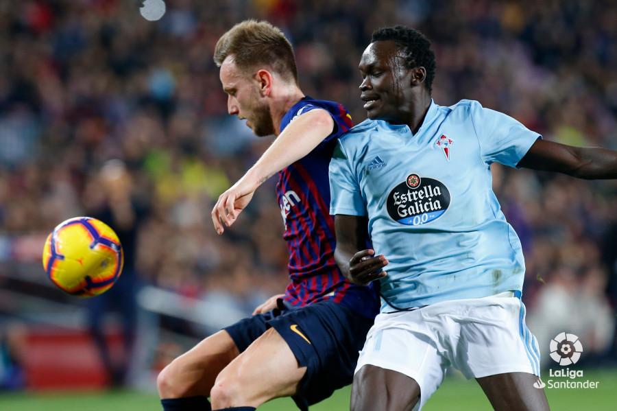 صور مباراة : برشلونة - سيلتا فيغو 2-0 ( 22-12-2018 )  W_900x700_22201734img_8201