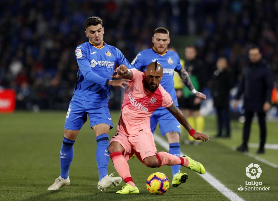 صور مباراة : خيتافي - برشلونة 1-2 ( 06-01-2019 ) W_900x700_06210601190106_javiergandul_078