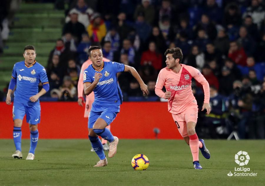 صور مباراة : خيتافي - برشلونة 1-2 ( 06-01-2019 ) W_900x700_06212552190106_javiergandul_110
