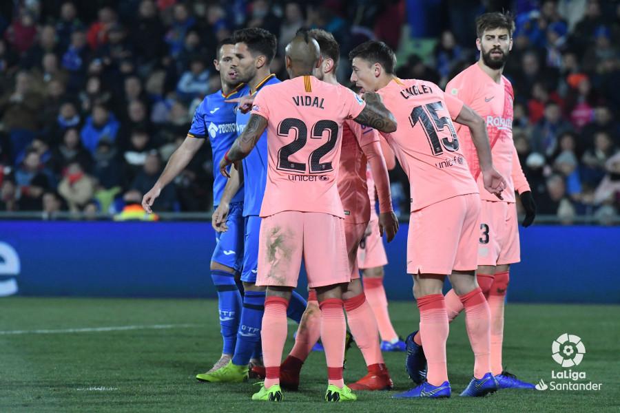 صور مباراة : خيتافي - برشلونة 1-2 ( 06-01-2019 ) W_900x700_06221042dsc_1081