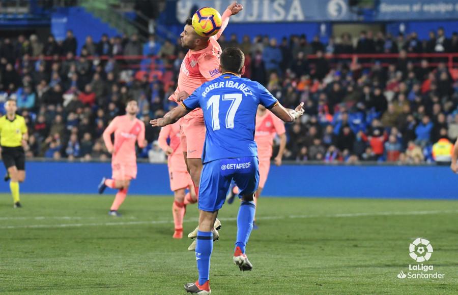 صور مباراة : خيتافي - برشلونة 1-2 ( 06-01-2019 ) W_900x700_06224019dsc_1280