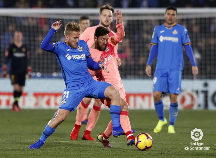 صور مباراة : خيتافي - برشلونة 1-2 ( 06-01-2019 ) W_900x700_06224417190106_javiergandul_166
