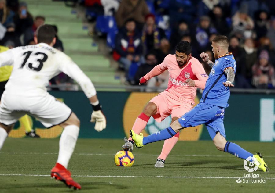صور مباراة : خيتافي - برشلونة 1-2 ( 06-01-2019 ) W_900x700_06224422190106_javiergandul_168