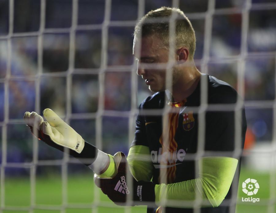 صور مباراة : ليفانتي - برشلونة 2-1 ( 10-01-2019 ) W_900x700_10211416levante-bar-acopa01