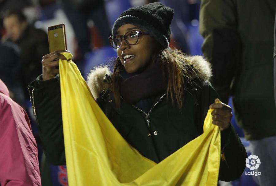 صور مباراة : ليفانتي - برشلونة 2-1 ( 10-01-2019 ) W_900x700_10211423levante-bar-acopa03