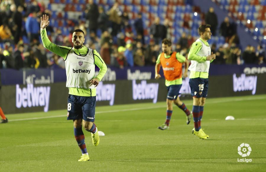 صور مباراة : ليفانتي - برشلونة 2-1 ( 10-01-2019 ) W_900x700_10211431levante-bar-acopa06