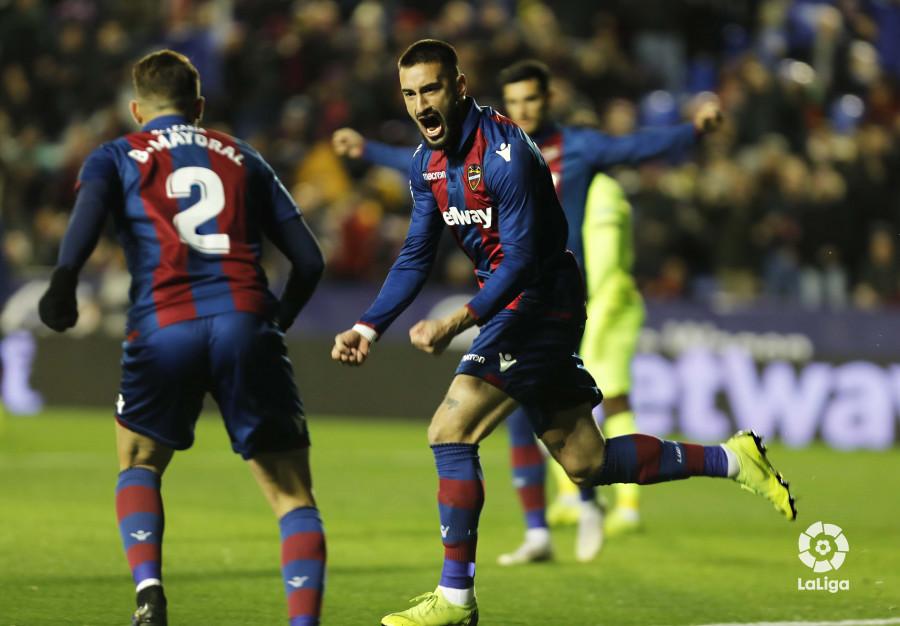 صور مباراة : ليفانتي - برشلونة 2-1 ( 10-01-2019 ) W_900x700_10213656levante-bar-acopa09