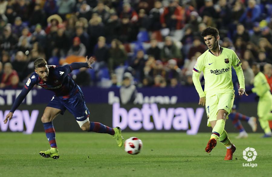 صور مباراة : ليفانتي - برشلونة 2-1 ( 10-01-2019 ) W_900x700_10220323levante-bar-acopa19