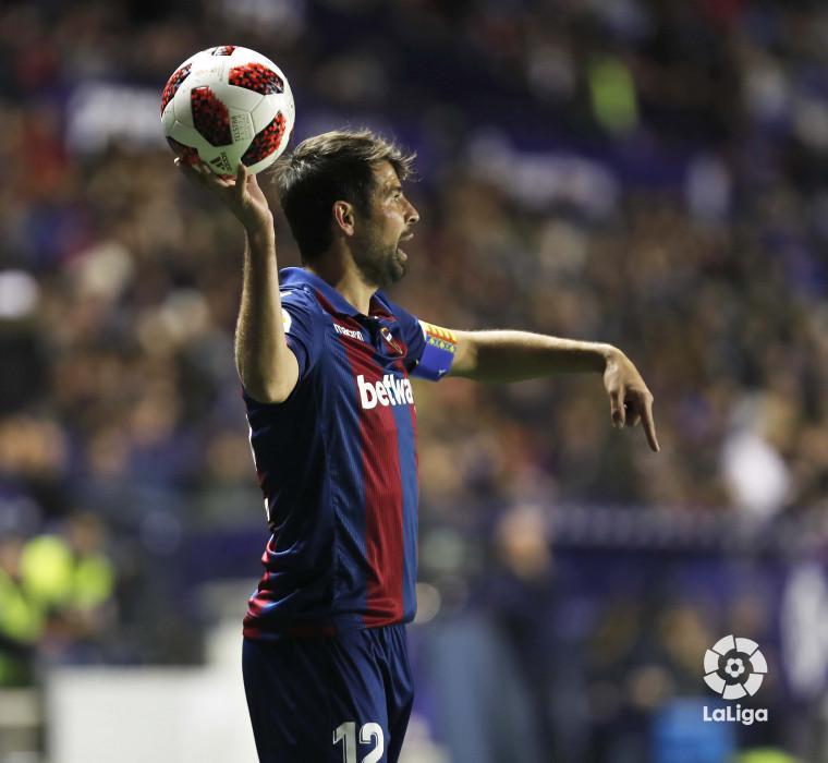 صور مباراة : ليفانتي - برشلونة 2-1 ( 10-01-2019 ) W_900x700_10220327levante-bar-acopa21