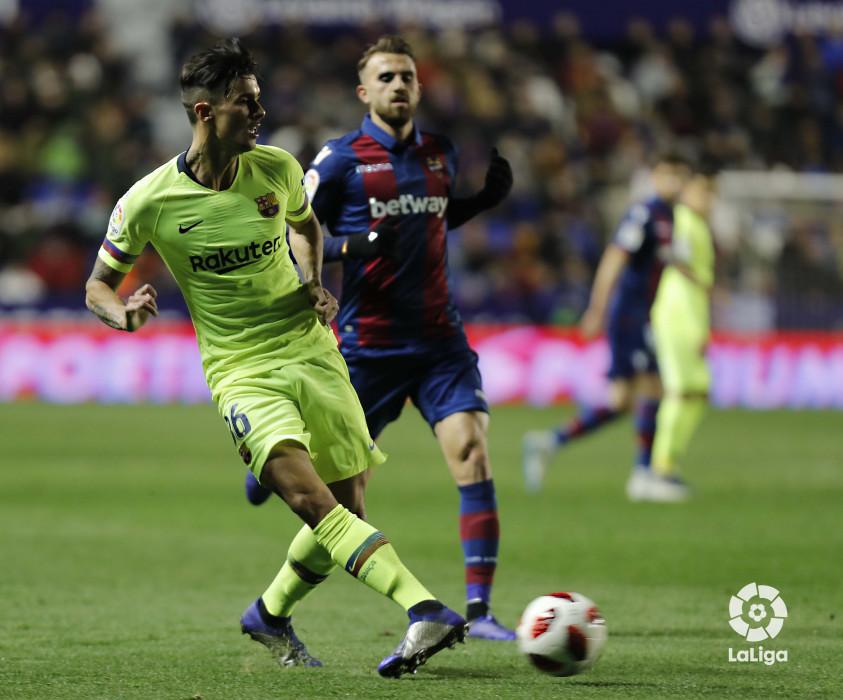 صور مباراة : ليفانتي - برشلونة 2-1 ( 10-01-2019 ) W_900x700_10221314levante-bar-acopa24