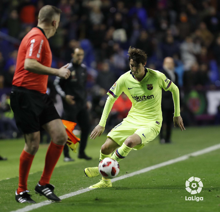 صور مباراة : ليفانتي - برشلونة 2-1 ( 10-01-2019 ) W_900x700_10222546levante-bar-acopa29