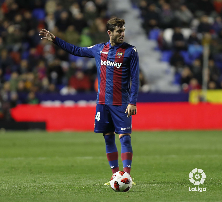 صور مباراة : ليفانتي - برشلونة 2-1 ( 10-01-2019 ) W_900x700_10222551levante-bar-acopa31