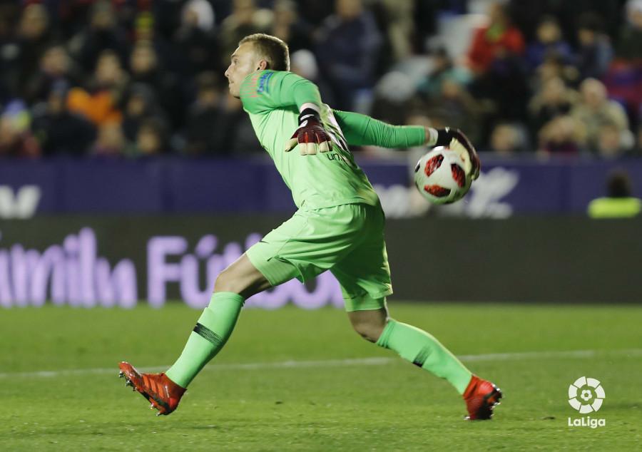 صور مباراة : ليفانتي - برشلونة 2-1 ( 10-01-2019 ) W_900x700_10222556levante-bar-acopa33