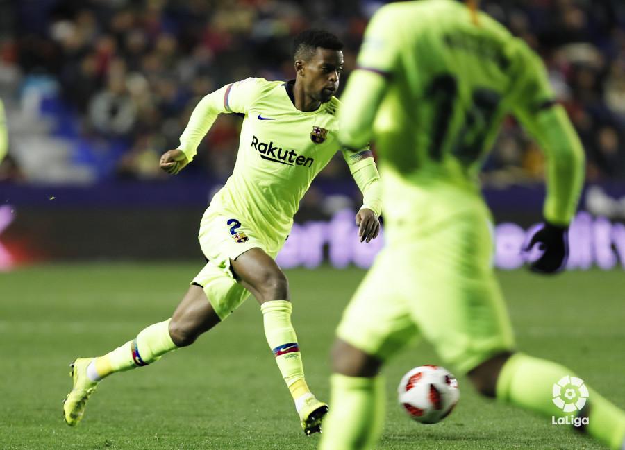 صور مباراة : ليفانتي - برشلونة 2-1 ( 10-01-2019 ) W_900x700_10224559levante-bar-acopa36