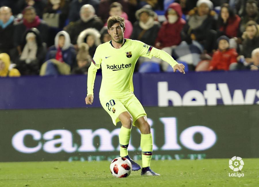 صور مباراة : ليفانتي - برشلونة 2-1 ( 10-01-2019 ) W_900x700_10225745levante-bar-acopa43
