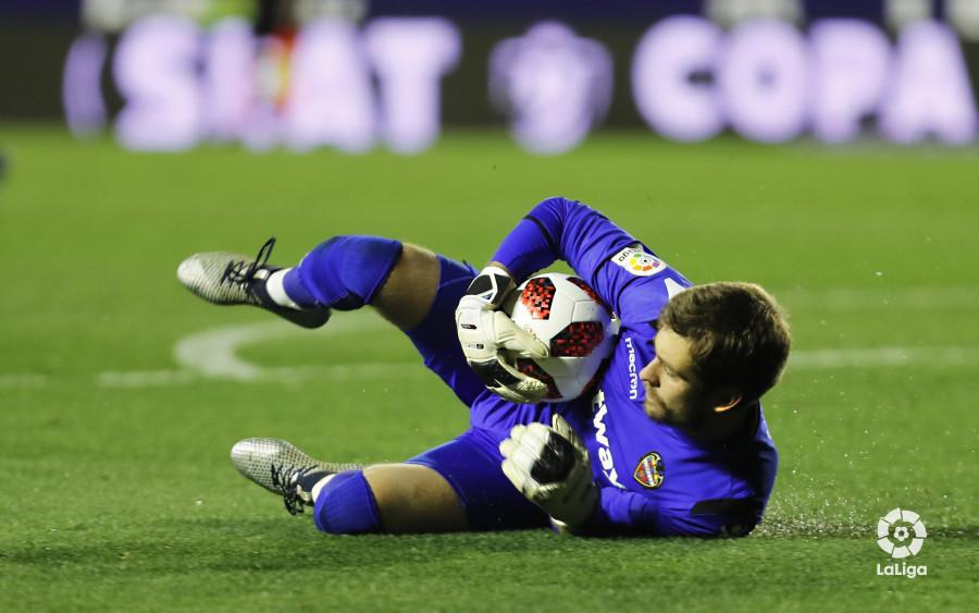 صور مباراة : ليفانتي - برشلونة 2-1 ( 10-01-2019 ) W_900x700_10225750levante-bar-acopa45