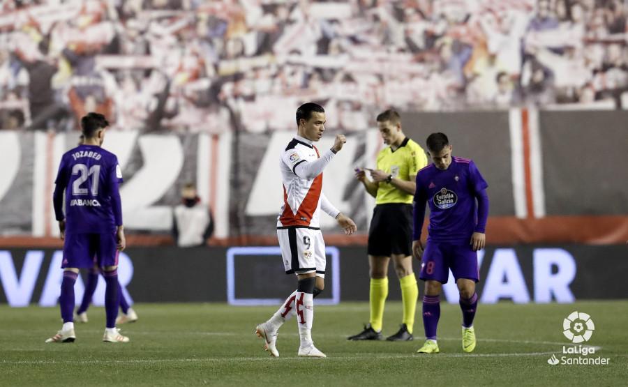 De Tomás celebra uno de sus goles (Foto: LaLiga).