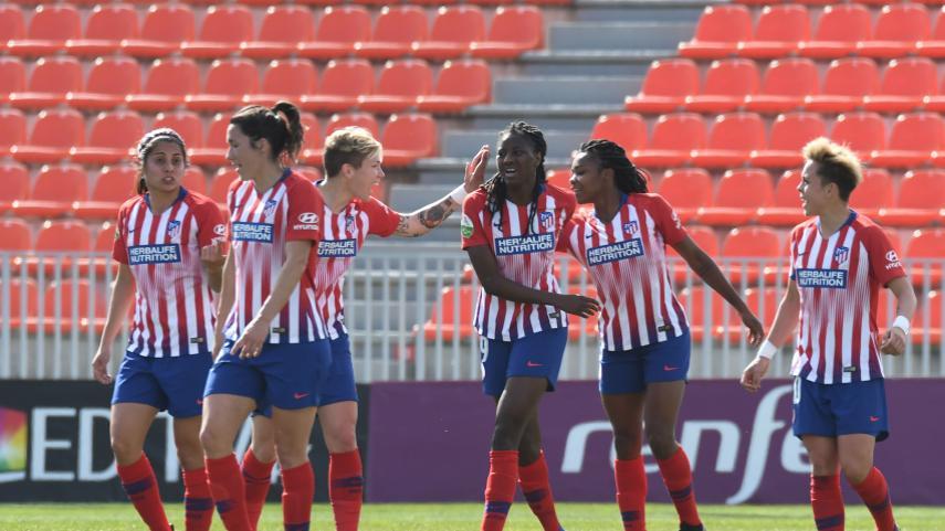 El At. Femenino golea y sigue intratable en la Liga Iberdrola