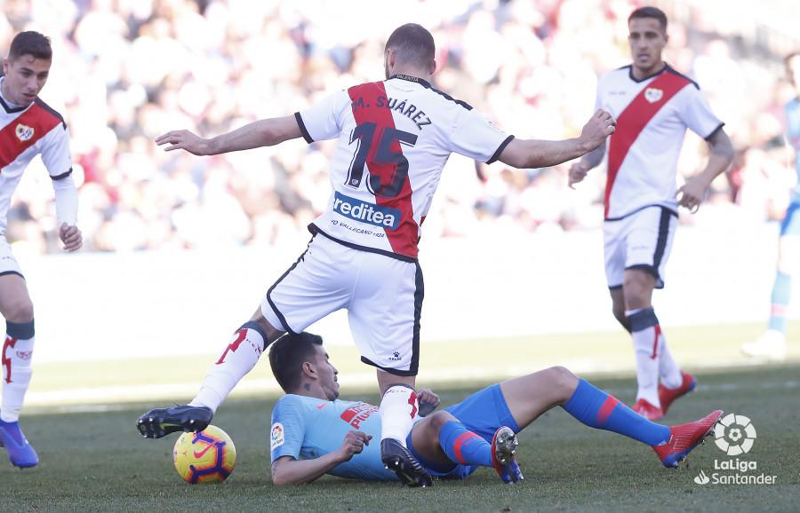 Mario Suárez, durante el partido ante el Atlético de Madrid (Foto: LaLiga).