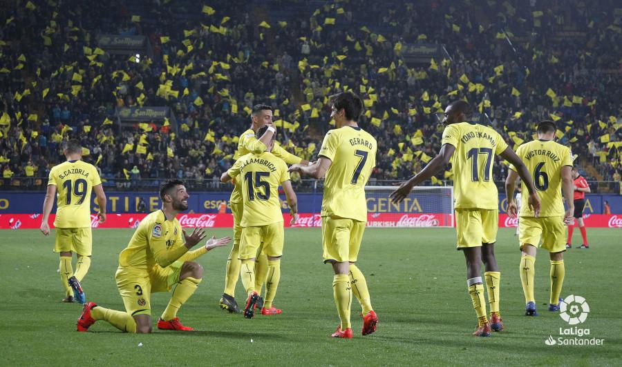 Los jugadores del Villarreal celebran uno de los tantos ante el Rayo (Foto: LaLiga).