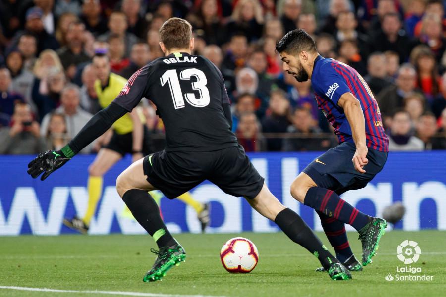 Примера. 31-й тур. Барселона - Атлетико 2:0. Чудо Суареса, минутное затмение Облака, коронация Барсы - изображение 3