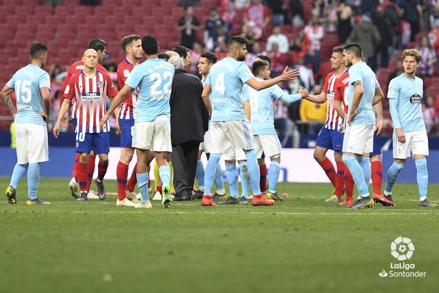 Araujo saludando a sus rivales (Foto: LaLiga).