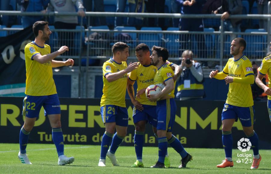 El Cádiz celebra el gol de Jairo en la primera parte (Foto: LaLiga).
