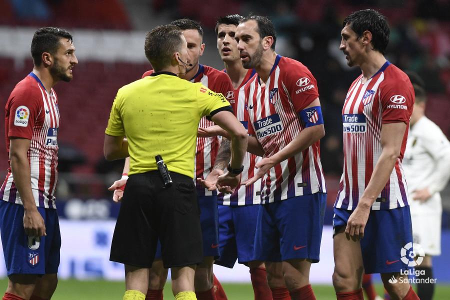 Барса еще не чемпион. Атлетико взял очки в матче с Валенсией - изображение 2