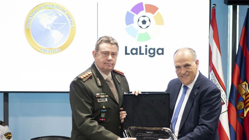 LaLiga y AMERIPOL firman un acuerdo de colaboración para combatir la corrupción deportiva y erradicar la violencia en el fútbol